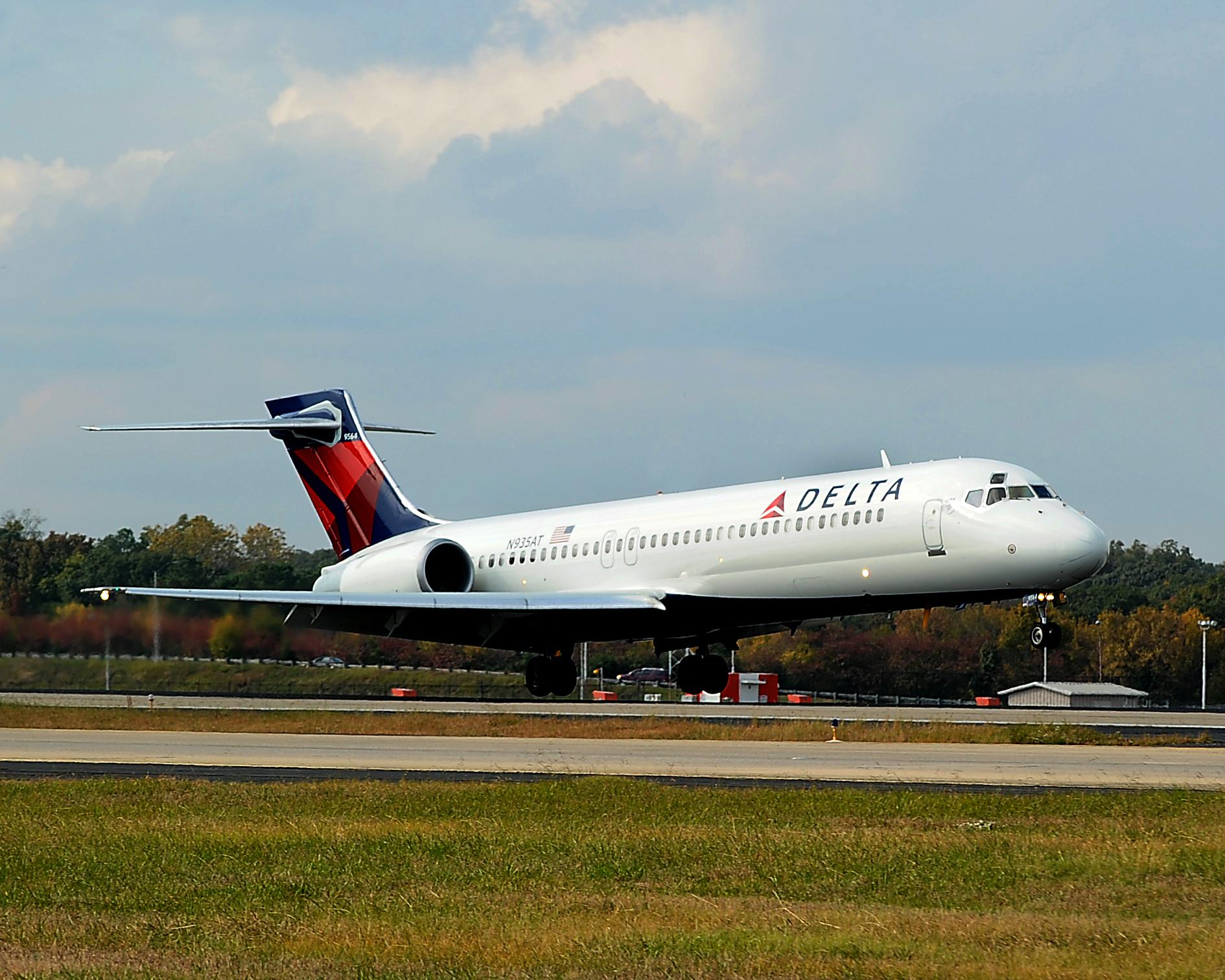 717 landing in Atlanta Ga